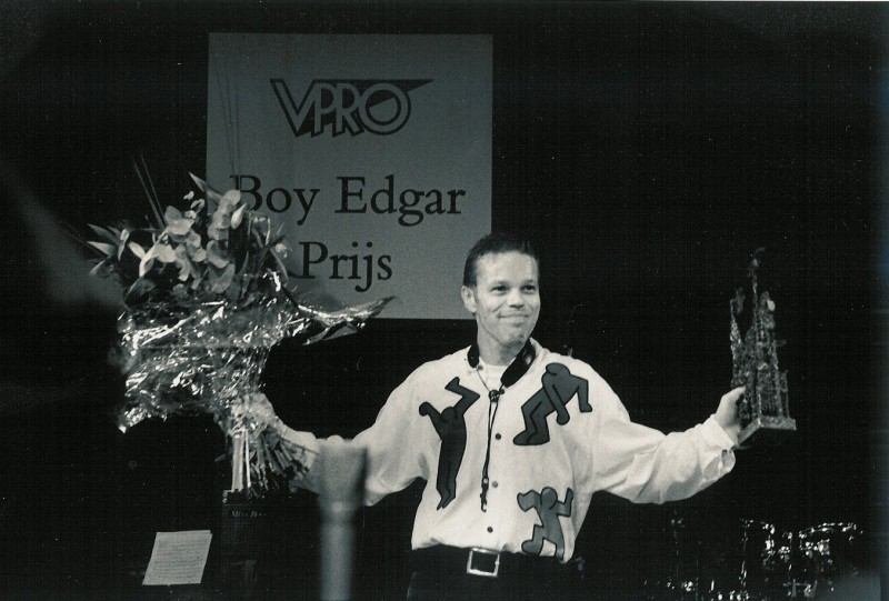 Paul receiving Boy Edgar Award Bim Huis in 2000